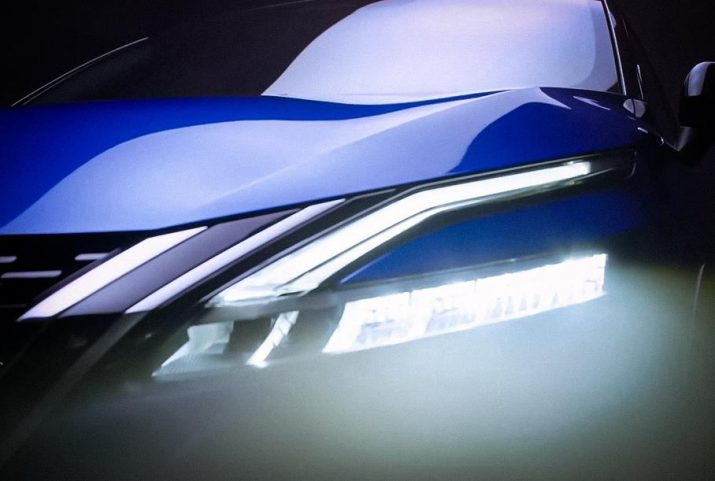 Кузов в 2-ух цветах и обновленные фары сзади: Nissan продемонстрировал итоговое изображение обновленного Qashqai