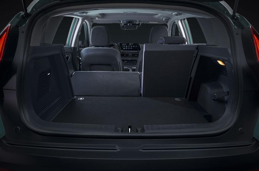 Турбированный агрегат и дорожный просвет 183 мм: Hyundai продемонстрировал мини-кроссовер Bayon