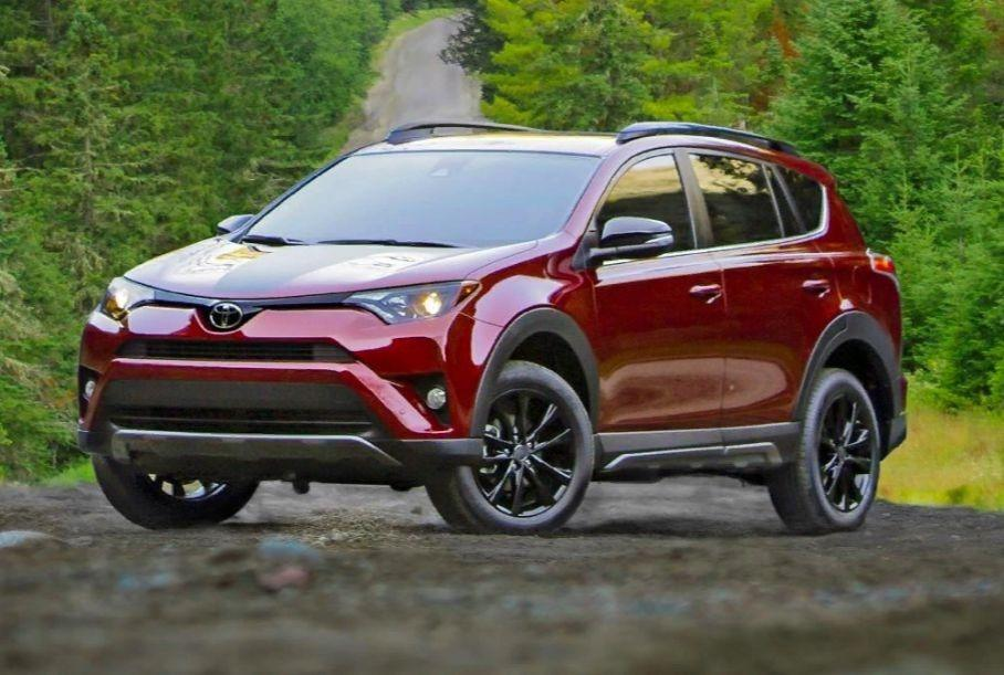 Приступили к расследованию самовозгорания Toyota RAV4