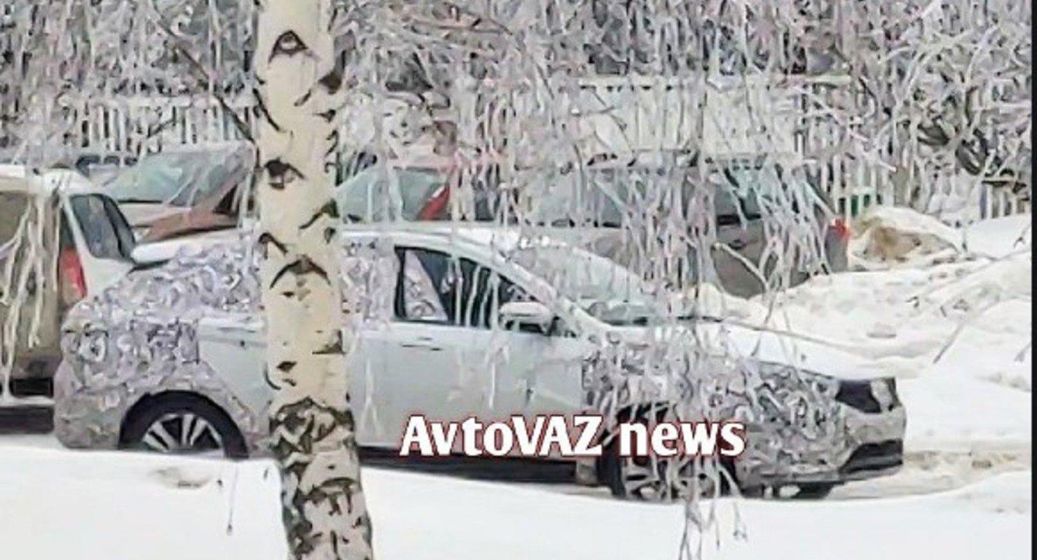 В северных регионах РФ проводят тесты рестайлинговой Lada Vesta