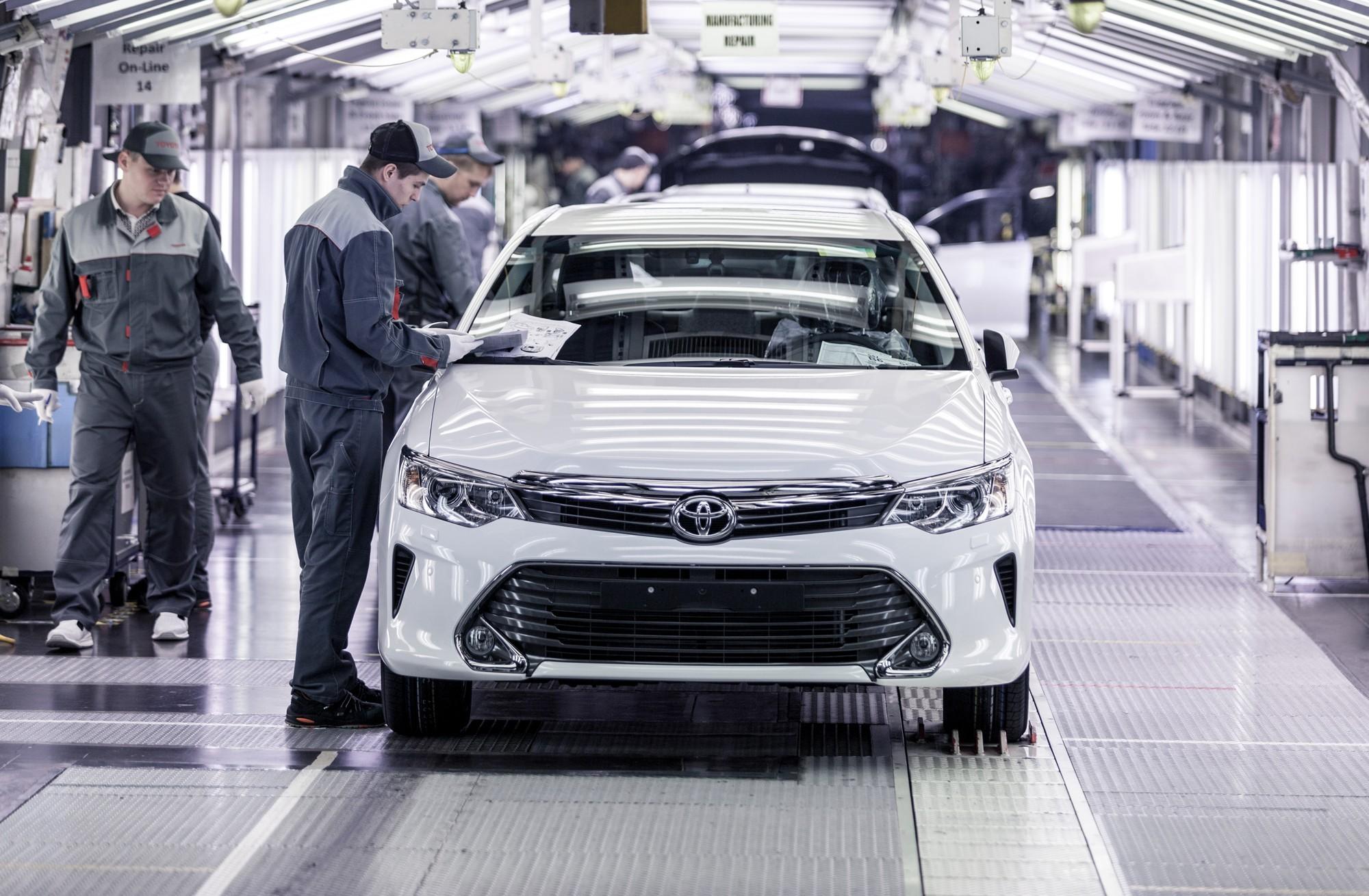 В России увеличился выпуск легковых автомобилей в 2021 году на треть