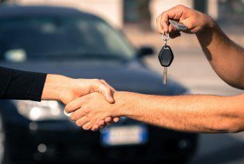 На 290% выросли продажи новых автомобилей в 2021 по сравнению с «черным апрелем» 2020 года