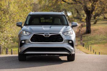 Стали известны сроки появления нового Toyota Highlander Grand
