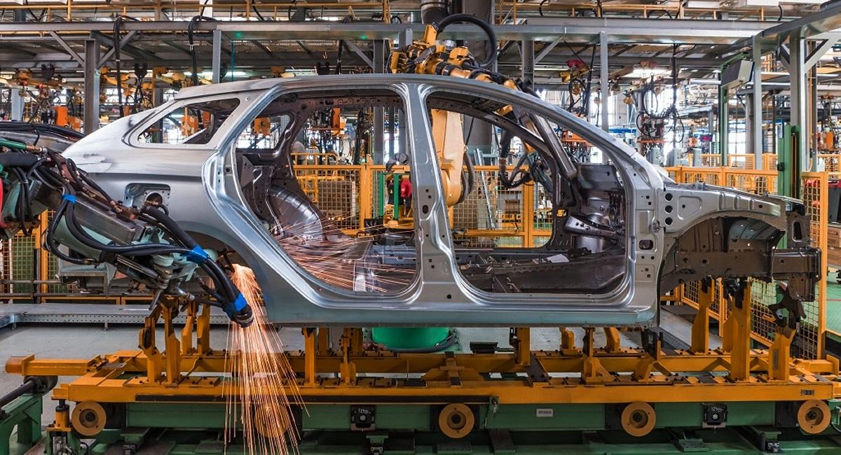 Заработные платы сотрудников «АвтоВАЗа» сравнили с другими заводами