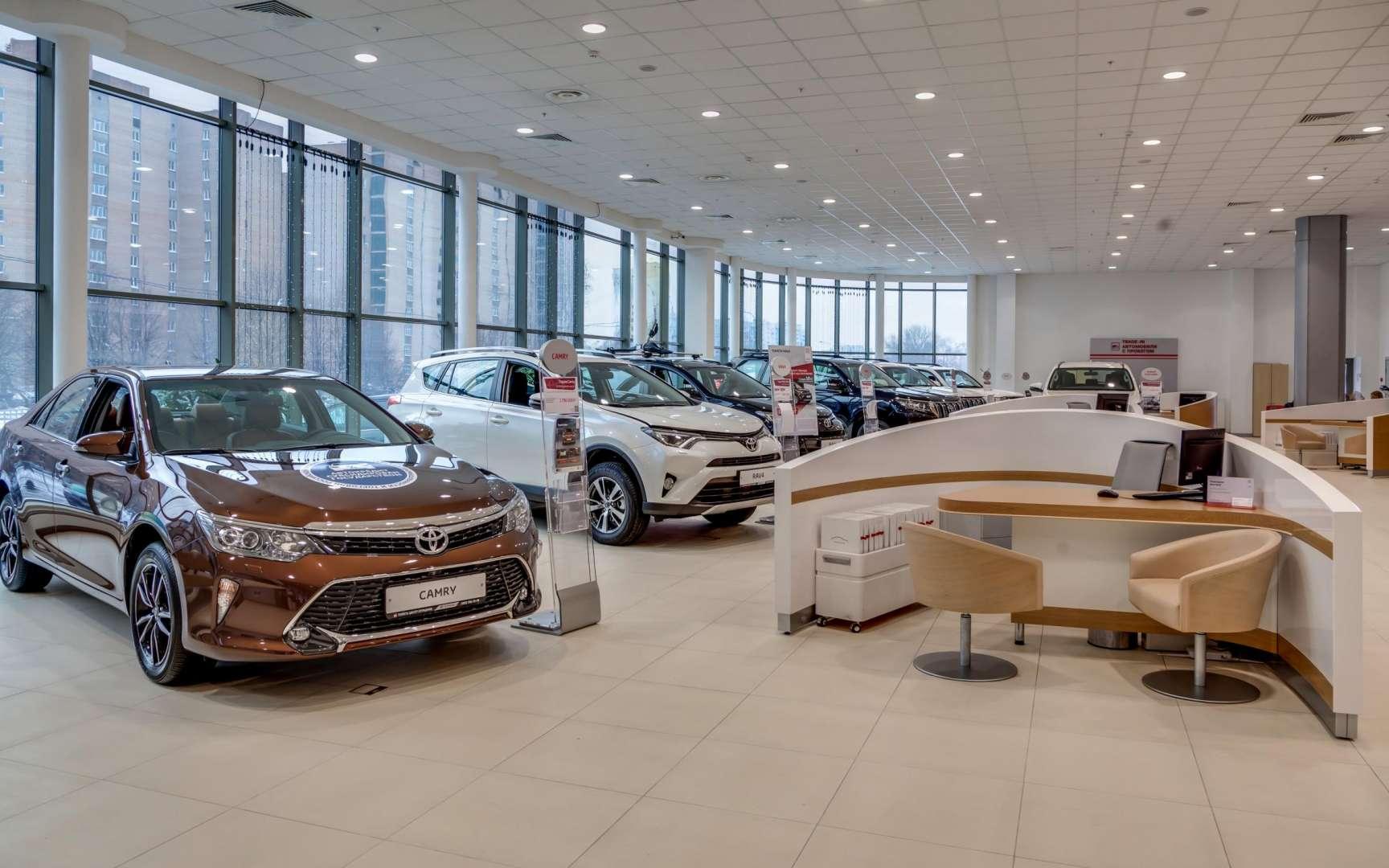 Компания Toyota увеличила ценники на свои модели второй раз за лето