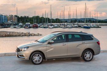 Из списка комплектаций Lada Vesta пропала самая недорогая версия с вариаторной трансмиссией
